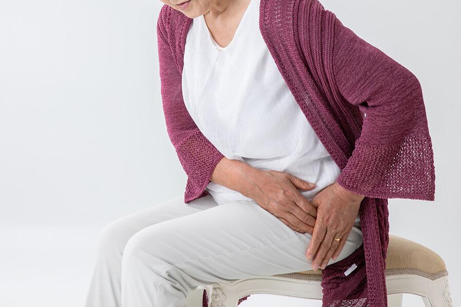 症状が悪化すると「股関節」や「骨盤」に痛みが出ることも