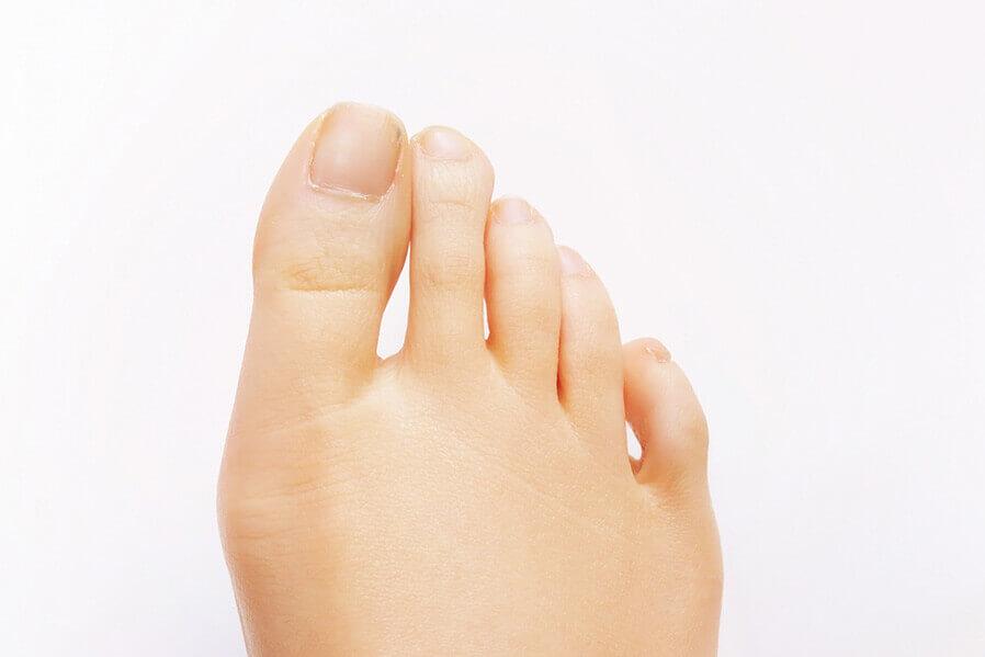 足の指先マッサージで、末端まで血流促進